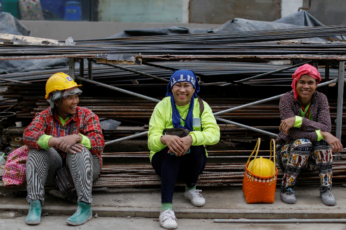 the-workers-who-build-and-fix-the-world-7
