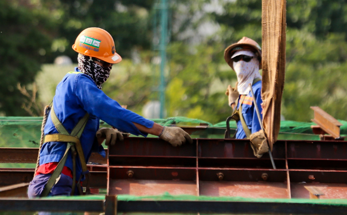 the-workers-who-build-and-fix-our-world-13
