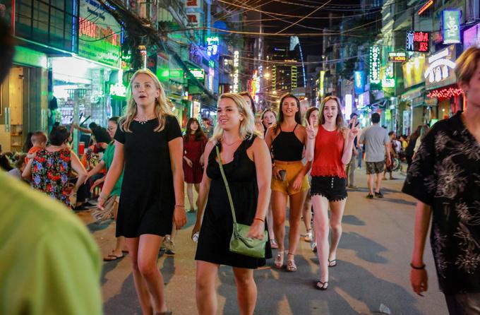 Unusually cheap flights give Americans perfect reason to visit Saigon