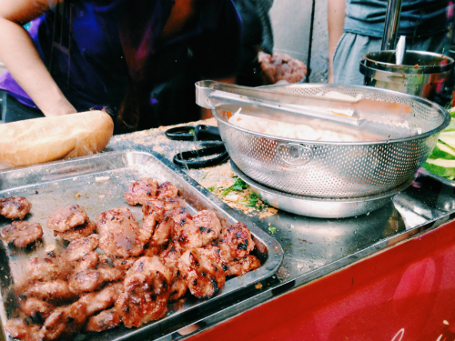 for-the-top-5-banh-mi-in-saigon-follow-the-locals-3