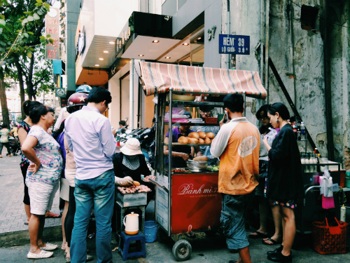 for-the-top-5-banh-mi-in-saigon-follow-the-locals-2