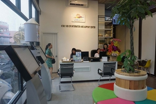 Saigon opens new tourist info centers after $1.4mln plan falls into the trash can