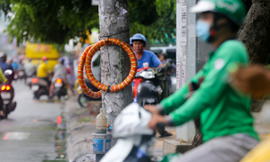 How we sell: Decoding Saigon street vendors' strange adverts