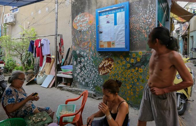 murals-bathe-saigon-alleys-with-a-splash-of-color