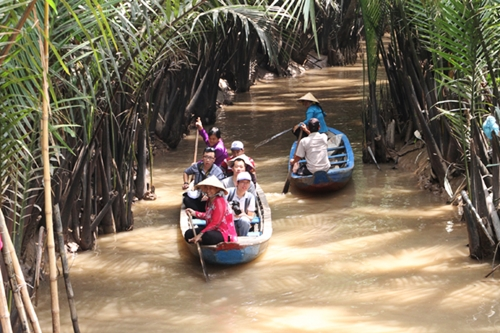 from-river-markets-to-tropical-orchards-take-a-taste-of-vietnams-tien-giang