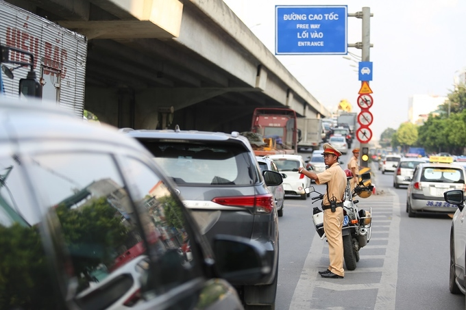 congestion-hits-saigon-and-hanoi-again-as-migrants-go-home-for-national-day-11