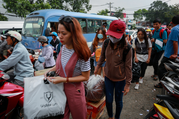 congestion-hits-saigon-and-hanoi-again-as-migrants-go-home-for-national-day-1