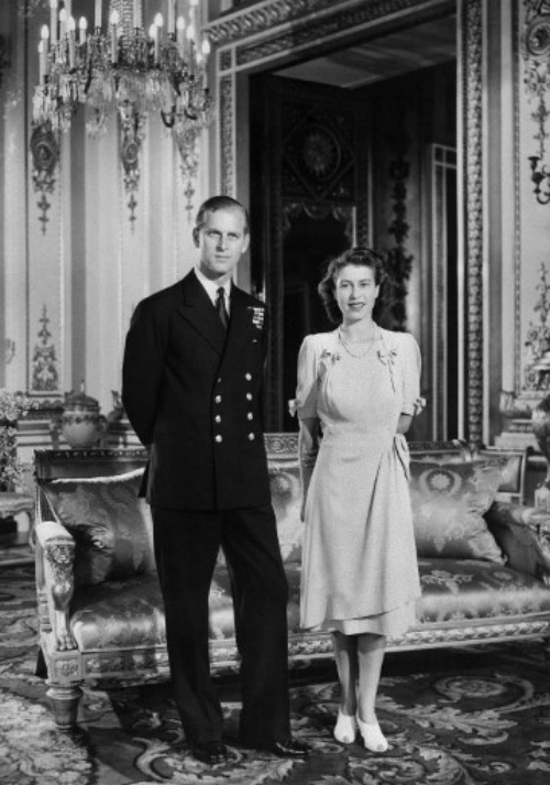 elizabeth-ii-prince-philip-mark-70th-wedding-anniversary