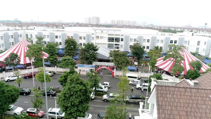 school-festival-celebrates-culture-and-charity-in-hanoi