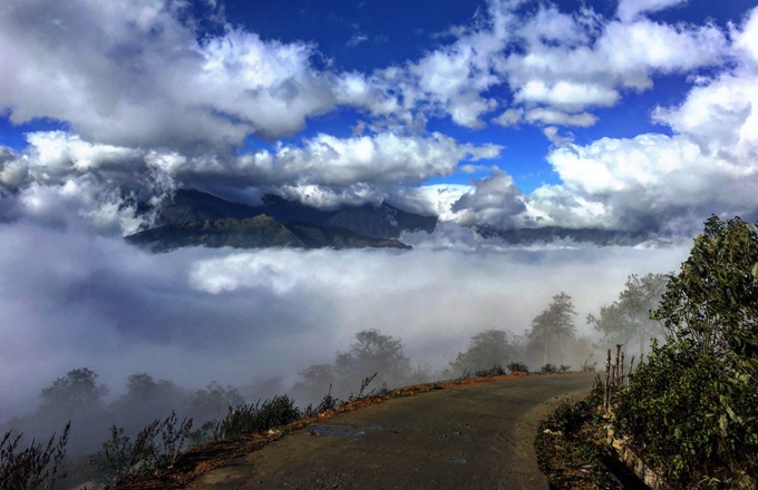 Y Ty is a commune in Lao Cai Province, which is home to the famous Sa Pa Town where you can find the roof of the Indochina  the Fansipan. But lets just forget Sa Pa, where you can experience fancy tourism services, for a while, and lets explore Y Ty, one of the top places in Vietnams northern upland that are famous for clouds.