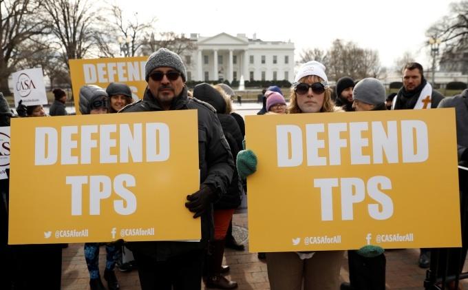 U.S. moves toward expelling 200,000 Salvadorans