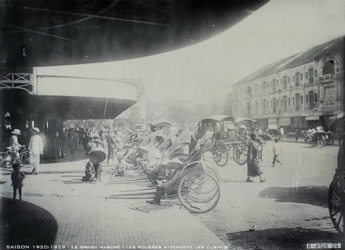 Cyclo is the most common transport mean in Saigon back then, when motorbike was still a complete stranger.