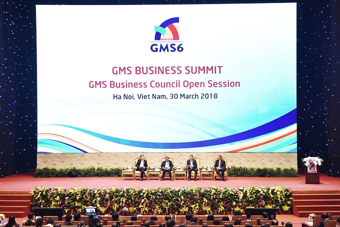 Leaders of the GMS Summit discussing prospects for the economy at the opening ceremony of GSM Summit on Mach 30, 2018 in Hanoi. Photo by Giang Huy
