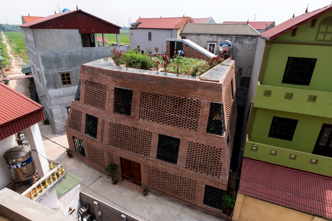 This is not a half-finished project or any birdhouse, but a completed apartment in Dong Anh District in Hanoi. Photo by VnExpress/Nguyen Tien Thanh