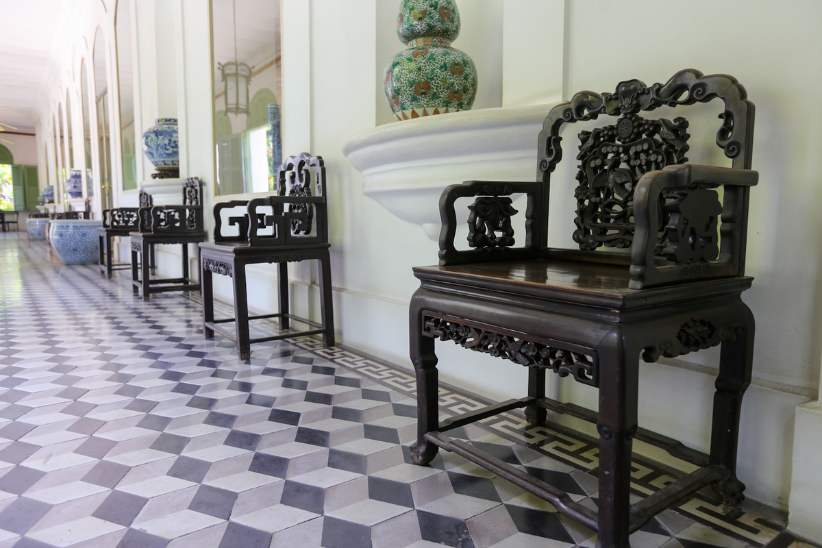 Antique treasures hidden in century-old French building in heart of Saigon