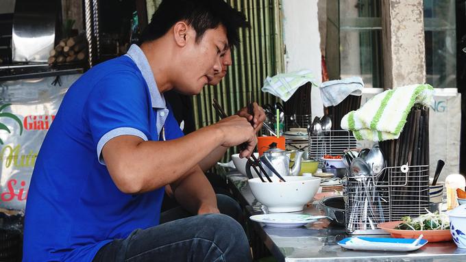 Inside Saigons 30 year old crab chowder vermicelli diner - 2