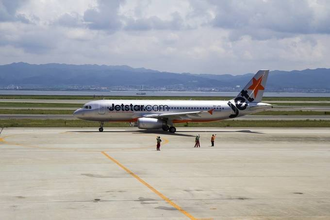 Vietnam carriers hike ticket prices