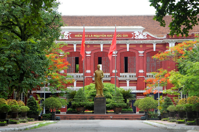 The Quoc Hoc Hue High School for Gifted Students was established in 1896. It was one of the very first high schools in Vietnam and is currently one of the top three high schools in the country, along with Le Hong Phong in Ho Chi Minh City and Chu Van An in Hanoi.