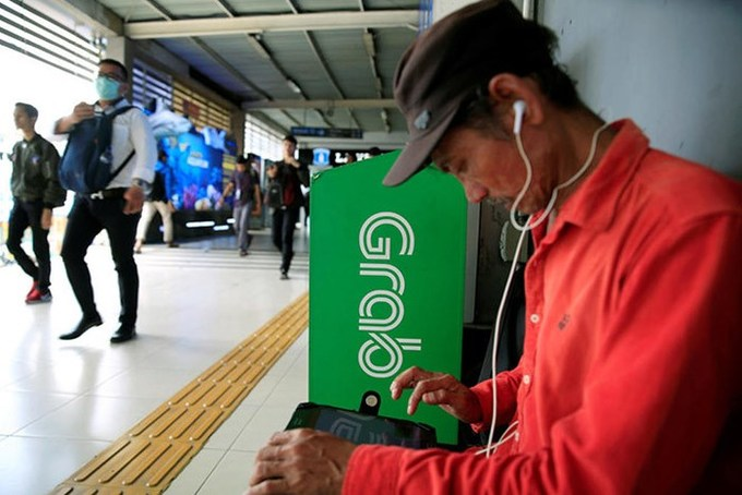 Vietnam slams brakes on GrabTaxi plan to expand operations