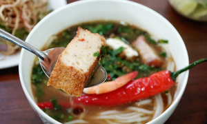 Fishy noodle soup stall going strong, 20 years on