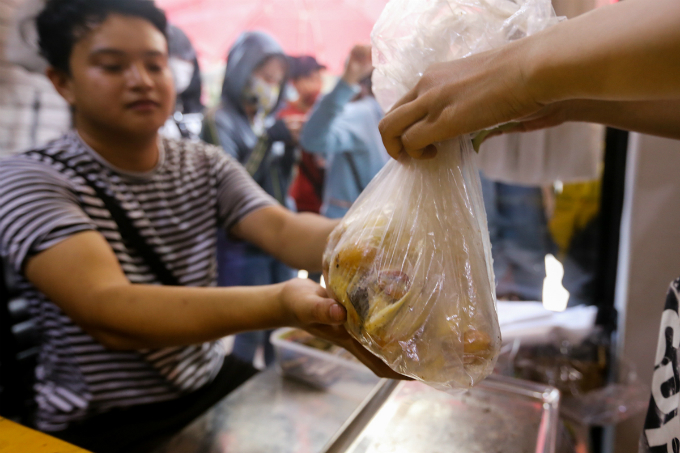 Return the seeds when you eat at this Saigons durian spot - 7