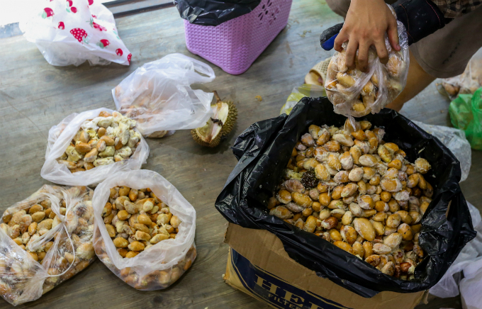 Return the seeds when you eat at this Saigons durian spot - 8