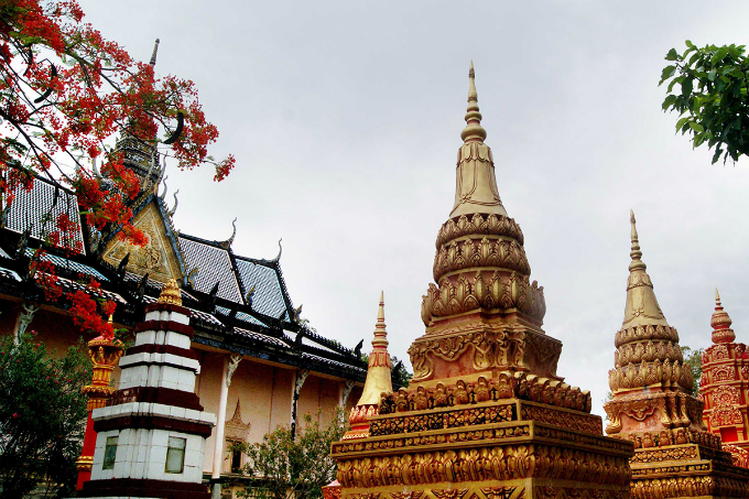 Take a look at the majestic Khmer pagoda in Southern Vietnam - 10