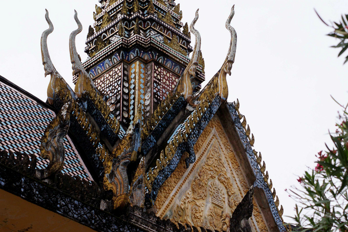 Take a look at the majestic Khmer pagoda in Southern Vietnam - 9