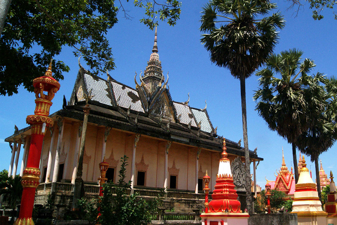Take a look at the majestic Khmer pagoda in Southern Vietnam - 1