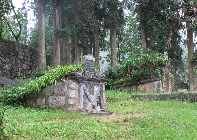 A closer look at controversy-ridden Hmong royal palace - 11