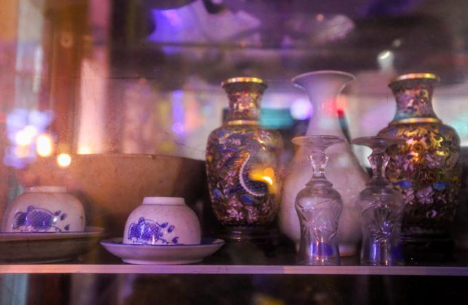 Century-old Saigon pagodas dazzling pottery collection - 7