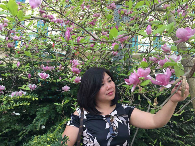 Vu Thanh Huyen has a decent, happy life with her family in the city of Plzen (Czech Republic). Her family owns a garden 500 meter away from her home. They make a living by selling different food products and renting out some space. Photo courtesy of Vu Thanh Huyen.