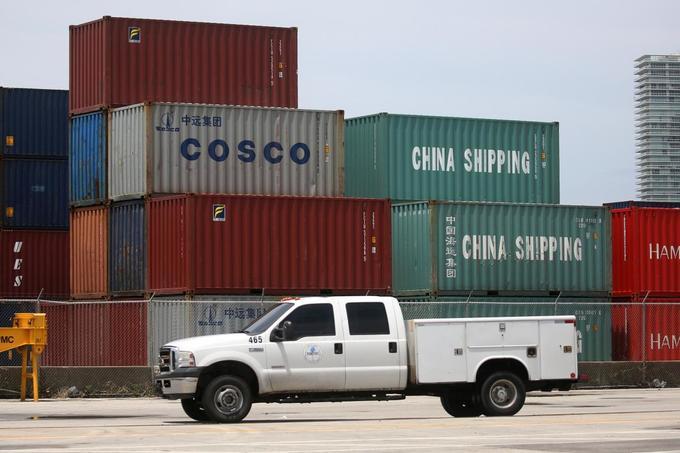US stock futures, Asian shares slip as Trump puts new tariffs on China