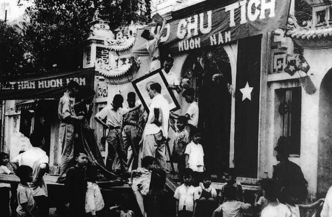 Hanoi relives historic, liberating moment - 8
