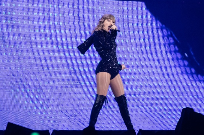 Taylor Swift gets political, endorses Democrats in US midterms