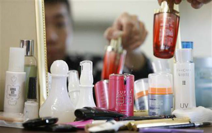 Men more into beauty products online than women in Vietnam