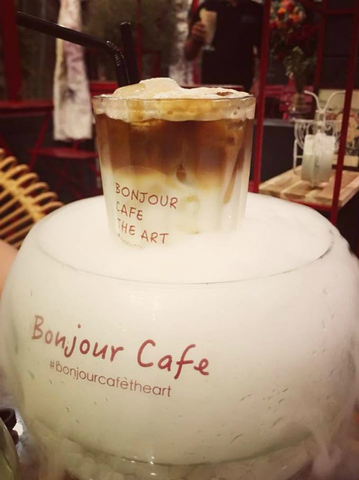 A romantic Paris style café in Saigon - 6