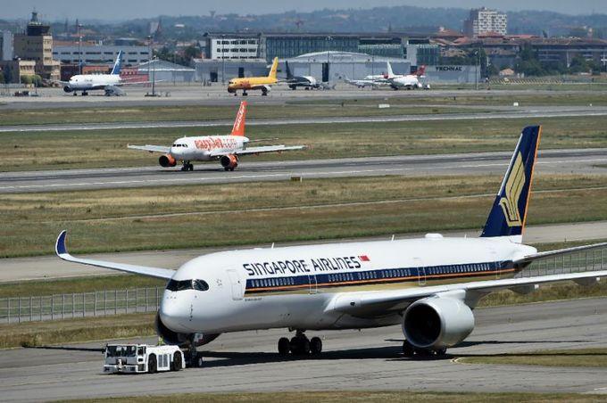 Now boarding: Passengers ready for world's longest flight