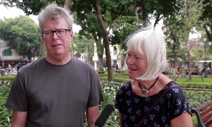 Foreign tourists share thoughts of street begging in Vietnam