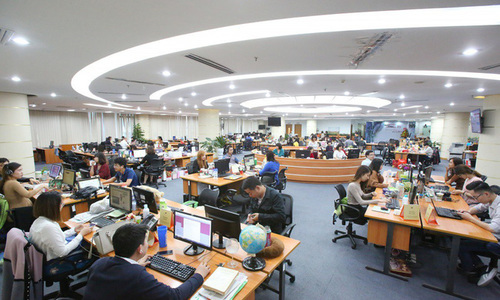 FPT Online shares rise, hit day's 40 percent ceiling