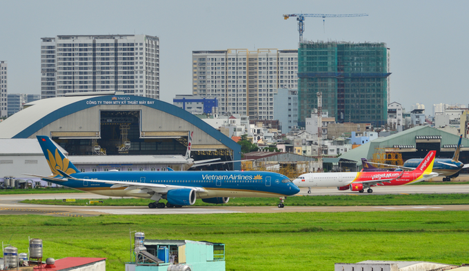 Vietnamese carriers get busy with early holiday plans