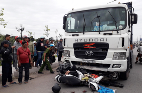 Four killed, 16 injured as truck crashes into motorbikes in