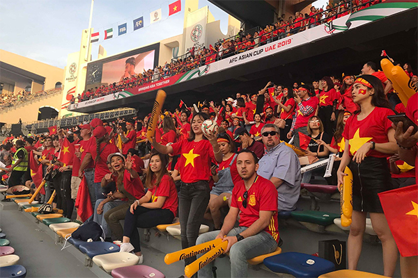 Vietnamese fans at the stadium. Photo by VnExpress/Pham Xuan Thanh
