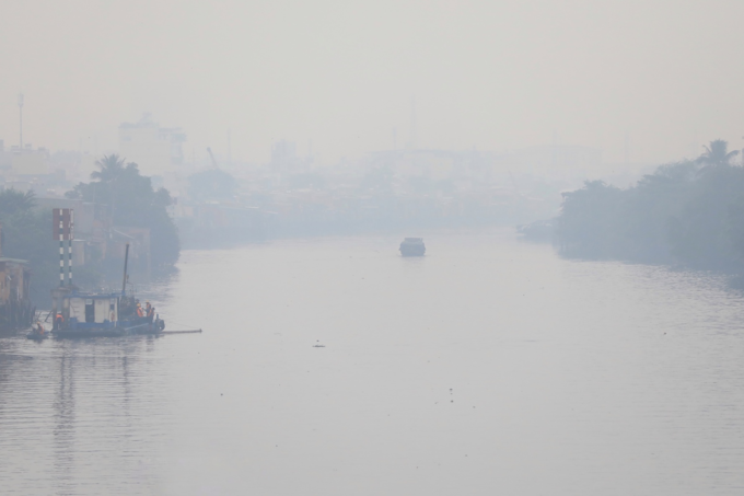 Foggy Saigon raises air pollution concerns - 4