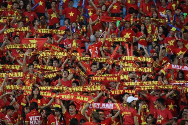Vietnam banners fill the stadium. Photo by VnExpress/Ngoc Thanh