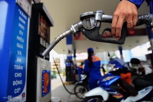 Petrol shortage fuels discontent among distributors