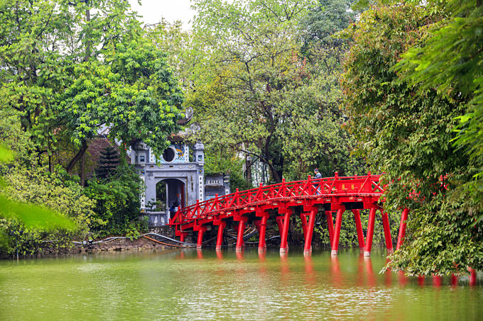 The Huc Bridge in Hoan Kiem Lake, Hanoi. Photo by Shutterstock/Tony Duy.