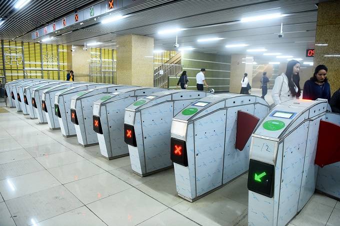 Hanoi metro stations in line for April launch - 2
