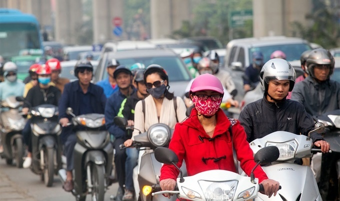 Hanoi yet to identify streets for motorbike ban, needs more study: chairman