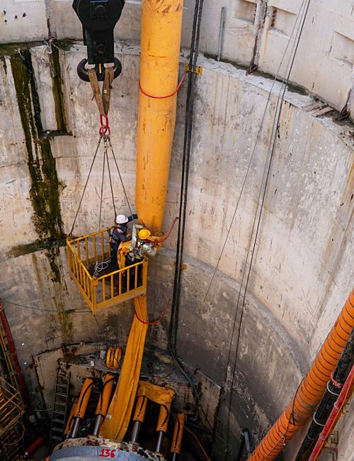 Down into Saigons biggest underground sewer system - 9